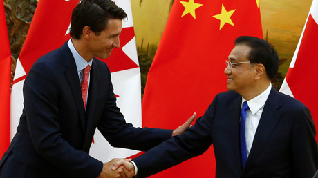 Chinese Premier Li Keqiang (R) and Canadian Prime Minister Justin Trudeau © Thomas Peter