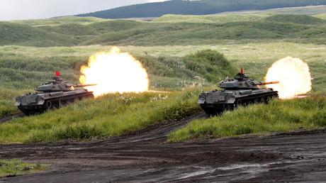 Japanese Ground Self-Defense Force tanks © Kim Kyung-Hoon