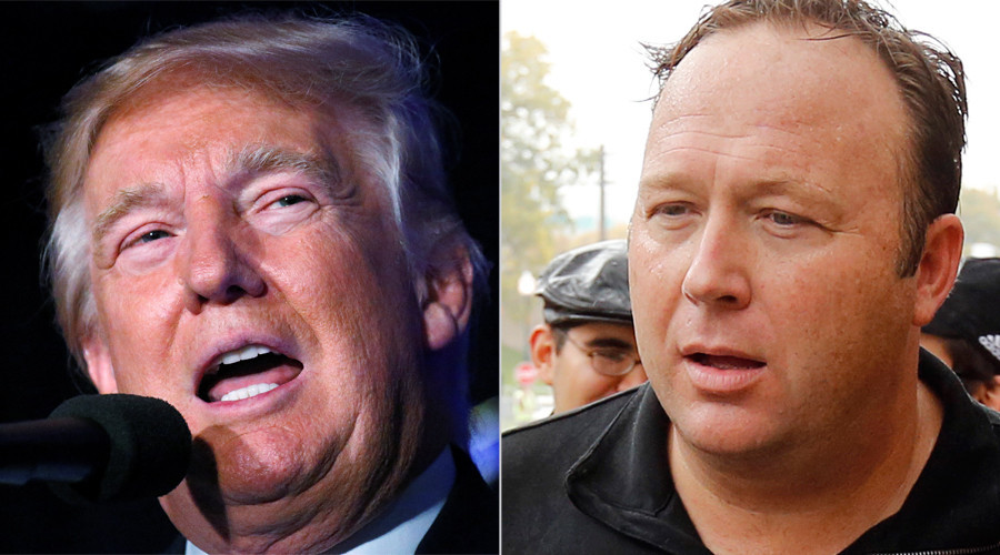 Republican presidential nominee Donald Trump and Alex Jones © Reuters