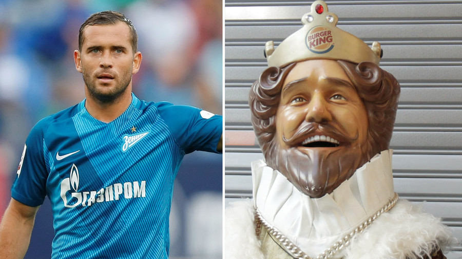Zenit's player Alexander Kerzhakov (L), a statue at Burger King restaurant. © Sputnik / Reuters