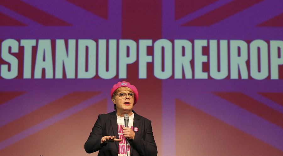 Comedian Eddie Izzard in his trademark pink beret during a 'Stand Up For Europe' event in June. © Russell Cheyne
