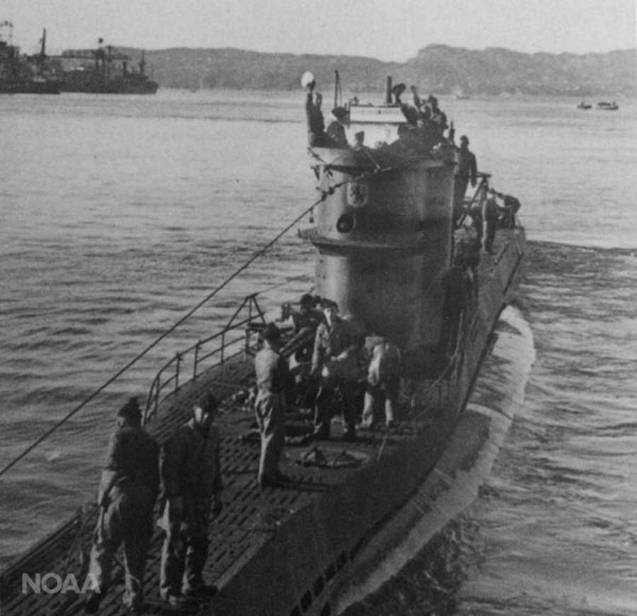 The German World War II submarine U-576 © NOAA / Ed Caram