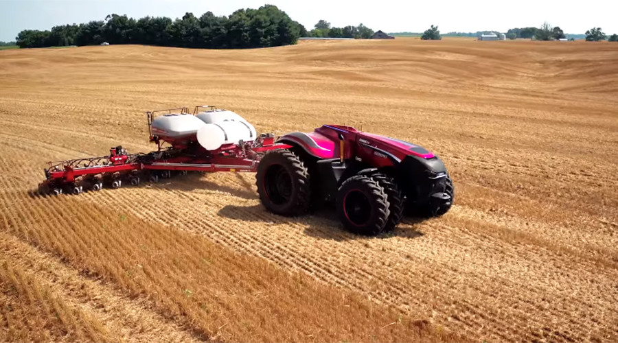 Robo-tractor: Slick self-driving vehicle heralds remote-control farming (VIDEO)
