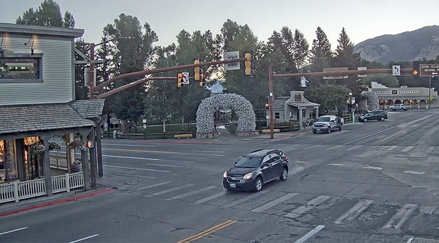 Six week livestream: Small US town intersection footage has internet hooked (VIDEO)