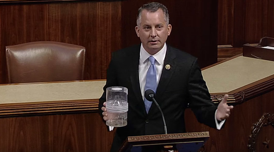 'Politics of Zika are garbage': Florida lawmaker brings 100 mosquitoes onto House floor