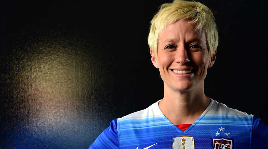 Organizers censor Rapinoe US anthem protest