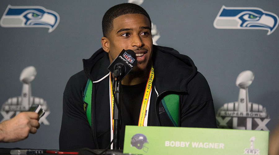 Seattle Seahawks middle linebacker Bobby Wagner (54) © Kyle Terada