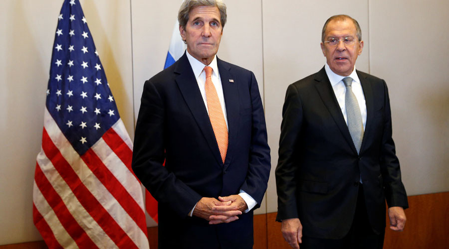 U.S. Secretary of State John Kerry (L) and Russian Foreign Minister Sergei Lavrov meet in Geneva, Switzerland, to discuss the crisis in Syria, September 9, 2016. © Kevin Lamarque
