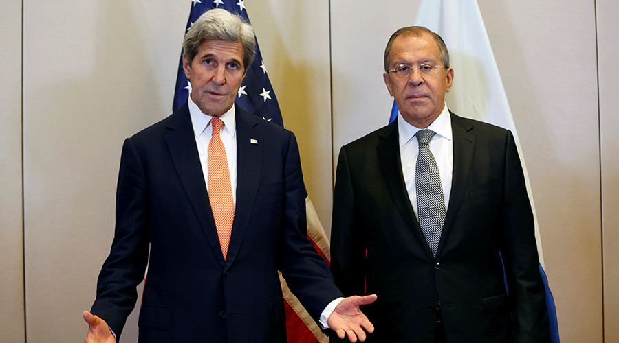 U.S. Secretary of State John Kerry (L) and Russian Foreign Minister Sergei Lavrov meet in Geneva, Switzerland, to discuss the crisis in Syria, September 9, 2016 © Kevin Lamarque