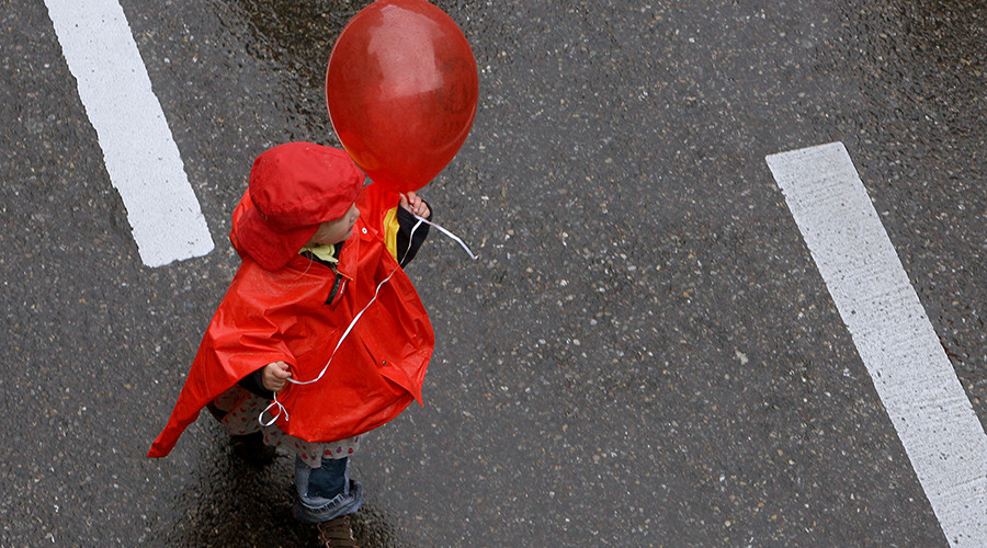 Uplifting story: Grieving grandson receives message after launching balloon for dead grandfather