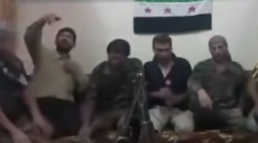Selfie-destruct: Syrian rebels accidentally trigger explosion by taking group photo (VIDEO)