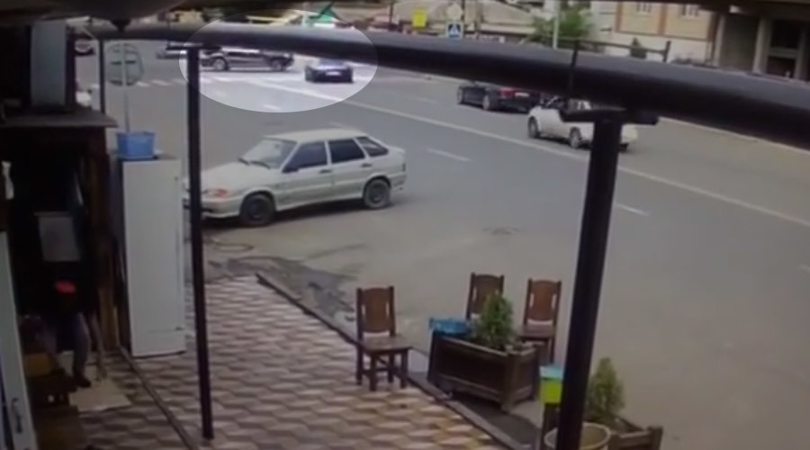 CCTV captures moment UFC star Khabib Nurmagomedov's sports car crashes in Dagestan (VIDEO)
