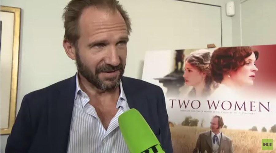'Russia is inspiring to me': Ralph Fiennes talks to RT about new film 'Two Women'