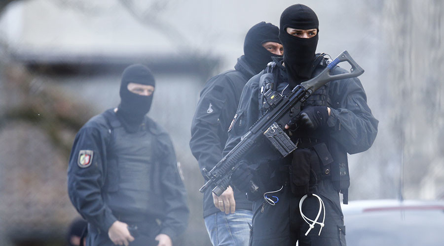 No praying for ISIS: German police arrest 16yo 'radicalized' Syrian refugee