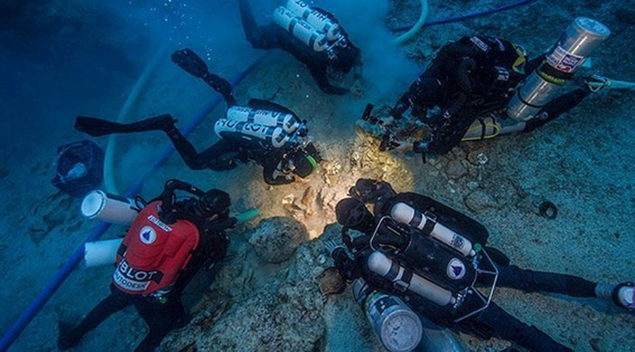 'Incredible' 2,000yo skeleton found in ancient Antikythera shipwreck (PHOTO, VIDEO)