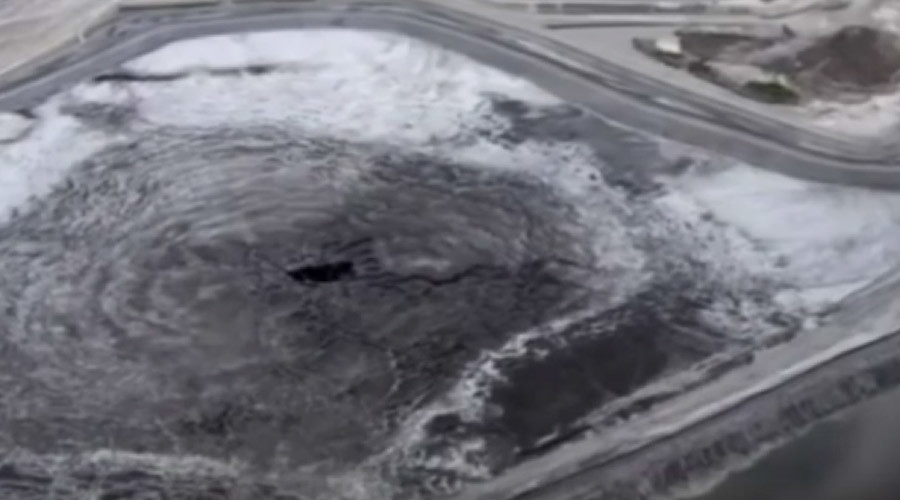 Florida company responsible for 215m gallons radioactive water leak admits delay informing public
