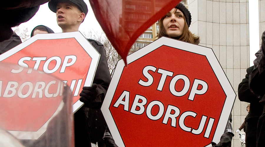 Pro-life vs pro-choice: Protest over abortion ban law in Poland rages online
