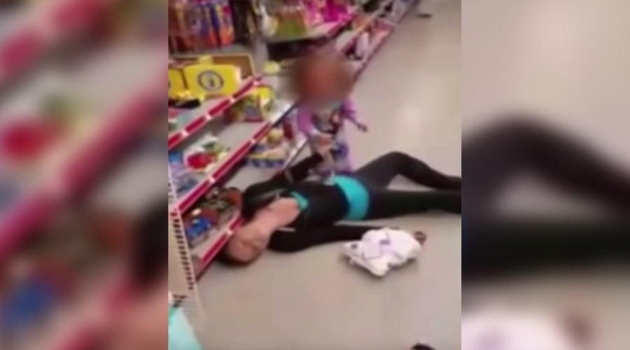 Police release shocking footage of toddler trying to revive mother after drug overdose (VIDEO)