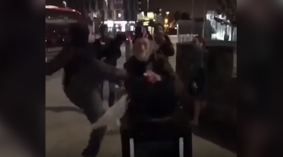 Not #CharlotteProtest: Shocking assault on elderly man actually took place in London (VIDEO)