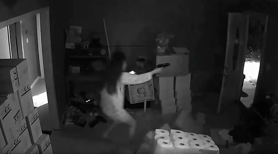 Burglary gone wrong: Woman takes on 3 armed robbers, shoots 1 dead (VIDEO)