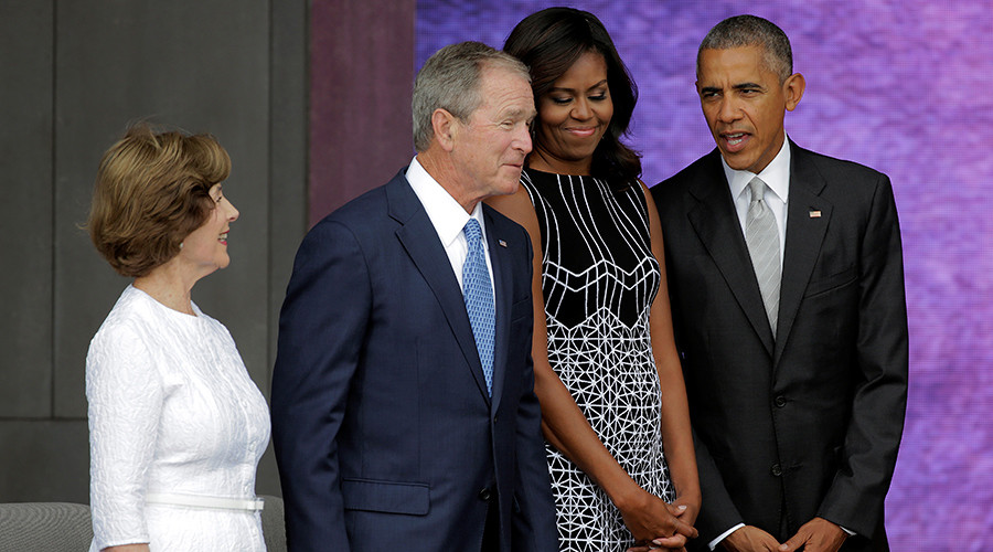 George W Bush gets selfie help from Obama (VIDEO)