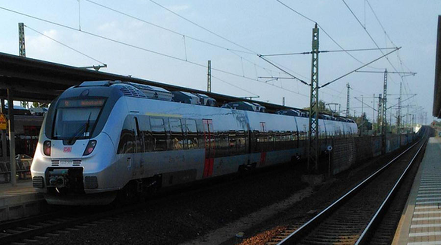 Train evacuated in Leipzig, Germany over bomb threat - suspect arrested