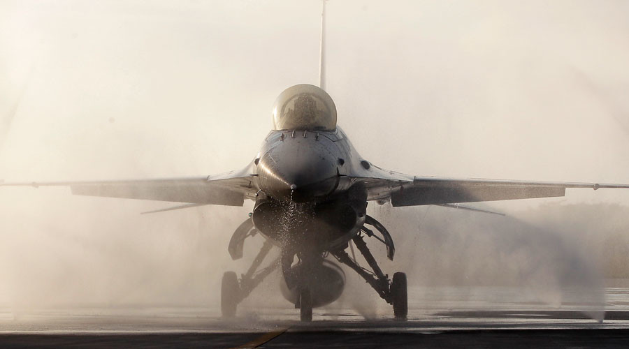 F-16 fighter jet © Pichi Chuang