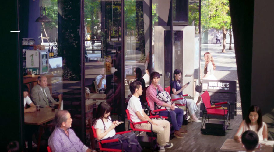 'Self-driving' chairs ease pain of long restaurant queues (VIDEO)