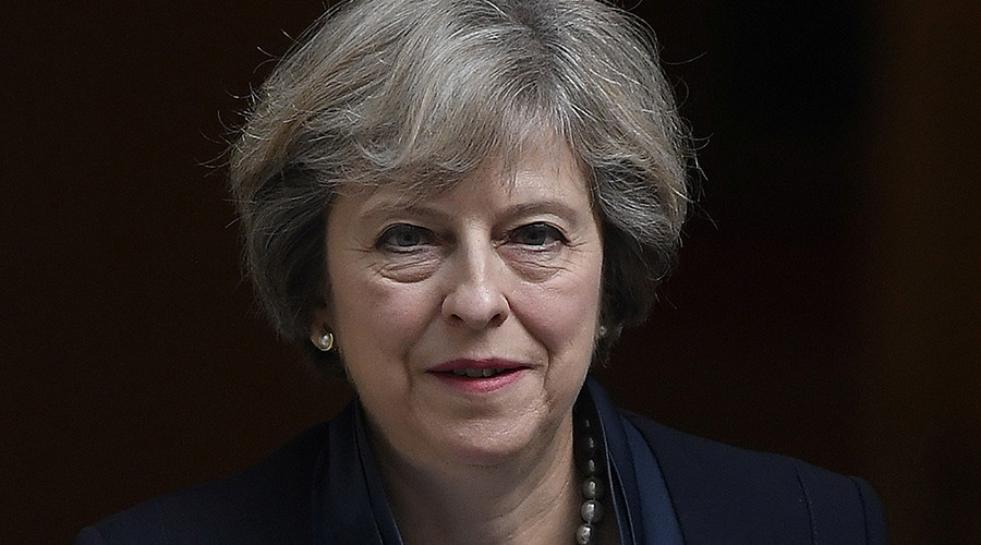 'Hard Brexit' looms as May pressured to name the date