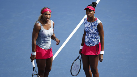 Serena Williams (L) and Venus Williams. © Eduardo Munoz
