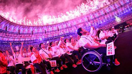 Fireworks erupt during the closing ceremony. © Ricardo Moraes