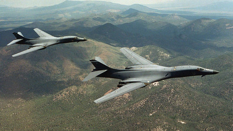 A pair of B-1B Lancer bombers © Steve Thurow