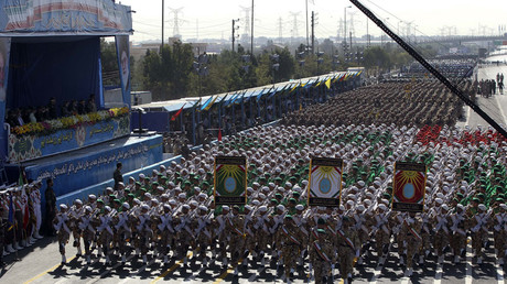 Iranian soldiers march during the annual military parade marking the anniversary of the start of Iran's 1980-1988 war with Iraq, on September 21, 2016, in the capital Tehran. © Chavosh Homavandi