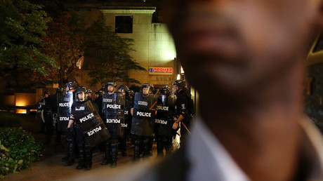 Police in riot gear gather as they prepare for another night of protests over the police shooting of Keith Scott in Charlotte, North Carolina, U.S. September 22, 2016. © Mike Blake