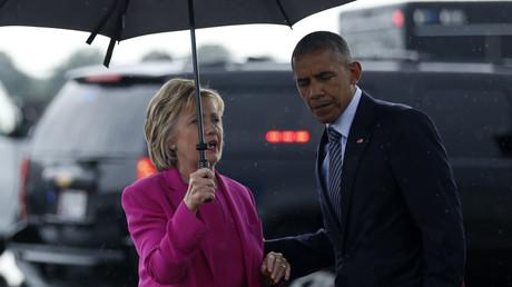Democratic U.S. presidential candidate Hillary Clinton thanks U.S. President Barack Obama © Jonathan Ernst