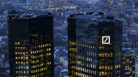 The headquarters of Germany's Deutsche Bank is photographed early evening in Frankfurt, Germany © Kai Pfaffenbach