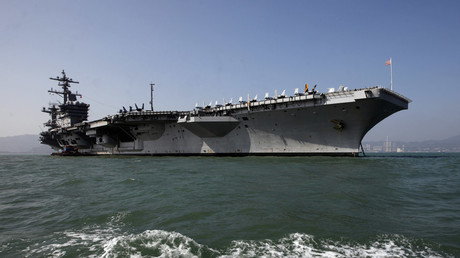 The U.S. Navy's USS Carl Vinson aircraft carrier © Siu Chiu
