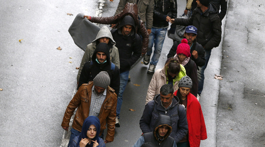 Germany wants Greece to deal with all refugees landing on its shores