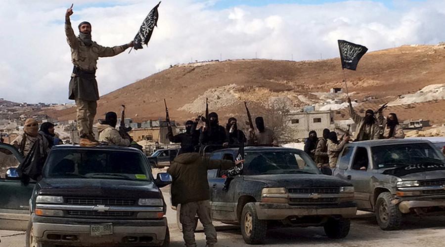 Al Qaeda-linked Nusra Front fighters © Stringer