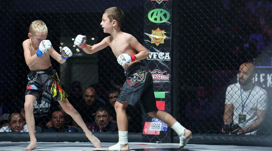 Underage kids' MMA fights in Chechnya spark criticism of Kadyrov (PHOTOS, VIDEOS)