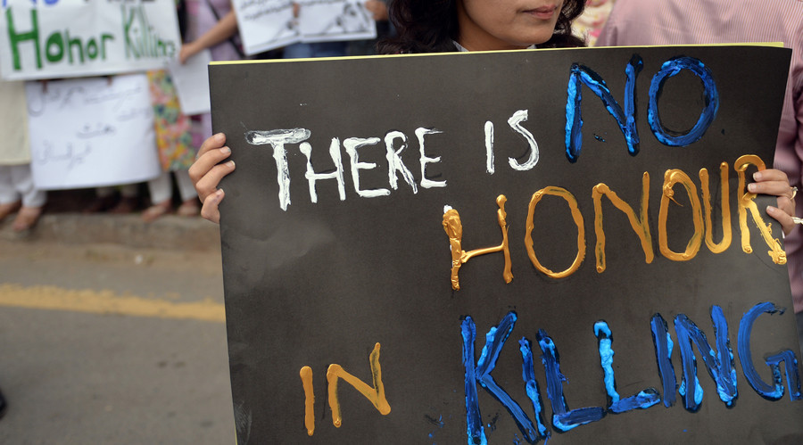 Honor killing loophole 'closed' as Pakistan passes new law on mandatory conviction