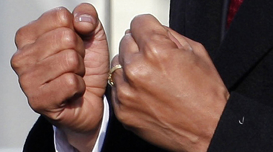 U.S. President Barack Obama gestures as he delivers his speech © Jim Young