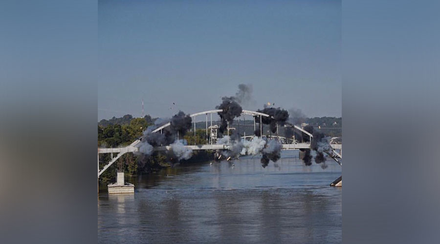 The Arkansas bridge that refused to be demolished (VIDEOS)