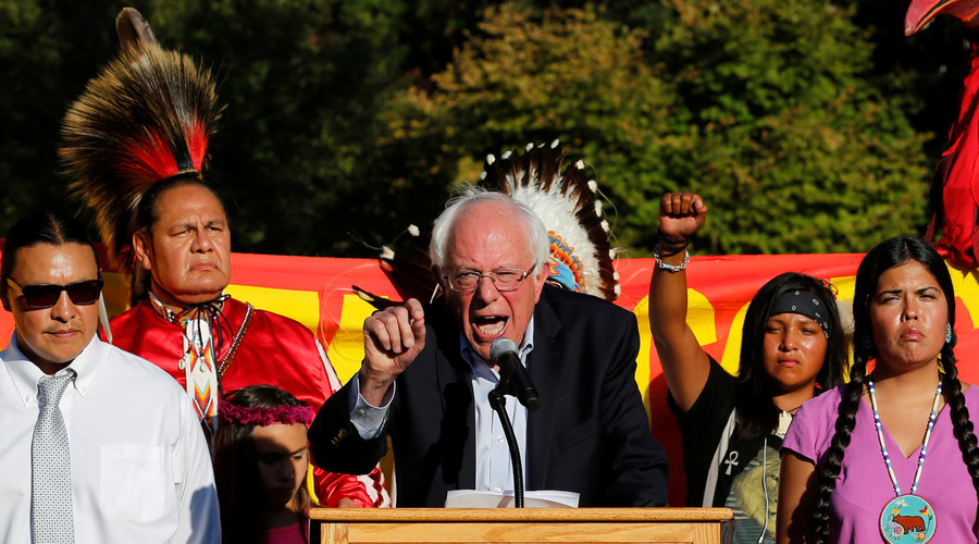 Former Democratic presidential candidate Senator Bernie Sanders (I-VT) speaks at a rally to call on President Barack Obama to stop the Dakota Access Pipeline, in front of the White House in Washington, U.S. September 13, 2016. © Jonathan Ernst