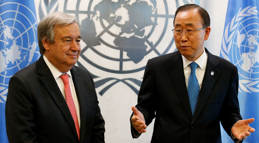 Secretary General-designate Antonio Guterres of Portugal (L) is greeted by U.N. Secretary General Ban Ki-moon at the U.N. headquarters in New York City, U.S. October 13, 2016. © Brendan McDermid