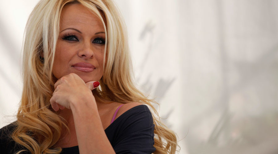 Baywatch, beasts & Brexit: Pamela Anderson asks to meet PM Theresa May