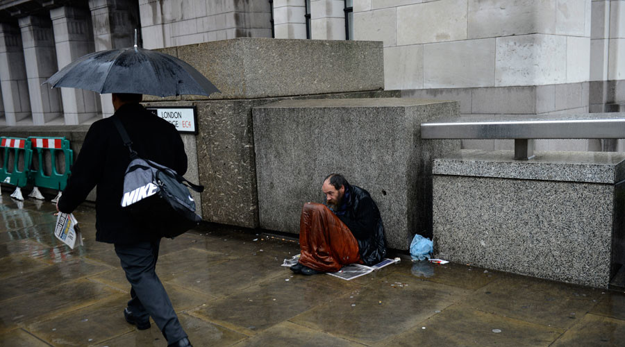 Life will get 'difficult' for Britain's poor as prices soar post-Brexit, Bank of England warns