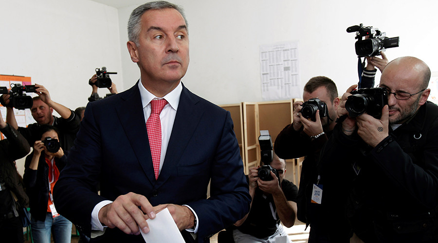 Montenegrin Prime Minister and leader of ruling Democratic Party of Socialists, Milo Djukanovic, casts his ballot at a polling station in Podgorica, Montenegro, October 16, 2016 © Stevo Vasiljevic