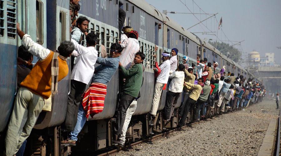 Porn-hub: Indian train station gets free WiFi, commuters indulge