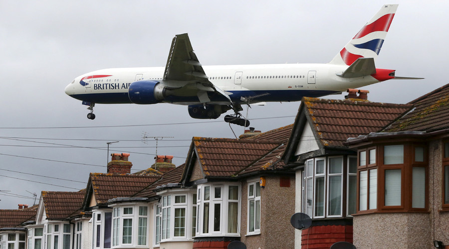 UK ministers approve Heathrow airport expansion